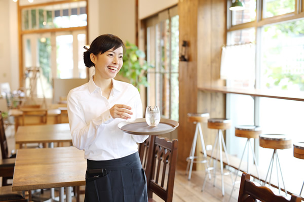飲食業界の多店舗の従業員